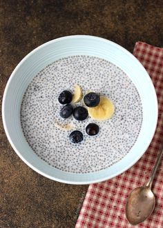 Blueberry Almond Chia Pudding and easy breakfast recipe that can be made the night before! | joyfulhealthyeats.com