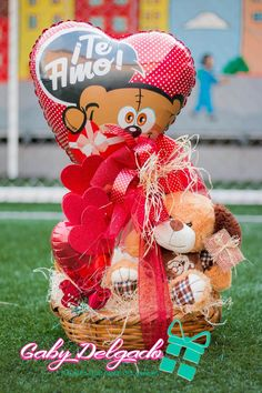 Valentines Gifts For Boyfriend, Birthday Gifts For Girlfriend, Boyfriend Gifts, Valentine Gifts, Valentine Bouquet, I Love Chocolate, Candy Bouquet, Party Shop, Ideas Para