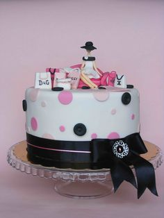 Love to shop cake Amour pour gateau Beautiful Birthday Cakes, Birthday Cakes For Women, Beautiful Cakes, Amazing Cakes, Royal Cakes, Cupcakes, Cupcake Cakes, Butterfly Cakes, Fashion Cakes