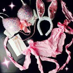 Cute Energizer Bunny maybe? #IHEARTRAVES #IHEARTRAVEFASHION