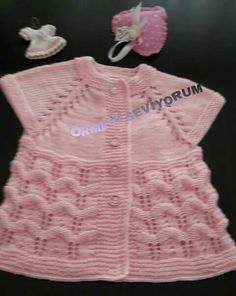 This Pin was discovered by Dal Knitting For Kids, Baby Knitting Patterns, Crochet For Kids, Crochet Baby, Crochet Patterns, Barbie Patterns, Baby Vest, Baby Sweaters, Beautiful Patterns