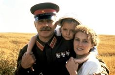 Nikita Mikhalkov, Ingeborga Dapkūnaitė  y Nadezhda Mijalkova en Sol Ardiente ( o Quemado por el sol) de Nikita Mikhalkov - 1994