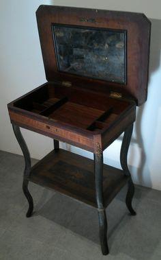 ancienne petite coiffeuse travailleuse époque  napoléon III en marqueterie et bois noirci  a restaurer