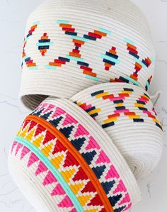 DIY Painted cotton basket Para este martes disfrazado de lunes en el que medio país está disfrutando de la vacaciones comparto con tod...