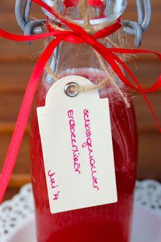 * Süchtig nach...: [Gastblogger] Selbstgemachter Erdbeerlikör.