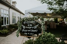 Mirror Wedding Welcome Sign with Calligraphy | photos by Ancelet Photography | The Pink Bride®️️ www.thepinkbride.com