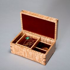 0517   TOY BOX  TREASURE //TRINKET BOX  GREAT ADD ON GIFT WITH CASH CHECK