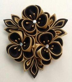 Kanzashi would be a beautiful touch to your dress! Satin Ribbon Flowers, Cloth Flowers, Ribbon Art, Ribbon Crafts, Fabric Ribbon, Flower Crafts, Diy Flowers, Ribbon Bows, Fabric Flowers