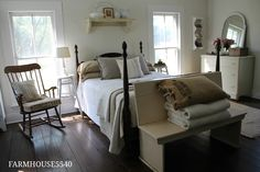 Farmhouses are meant to be cozy and comfortable. So this bedroom is definitely the epitome of one!