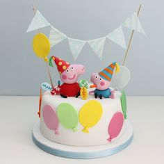 Love this Peppa Pig birthday cake! I must have this for Maddie's birthday! Tortas Peppa Pig, Bolo Da Peppa Pig, Peppa Pig Birthday Cake, Birthday Cake Toppers, Peppa Pig Y George, George Pig Party, George Pig Cake, Bolo Fondant, Novelty Cakes