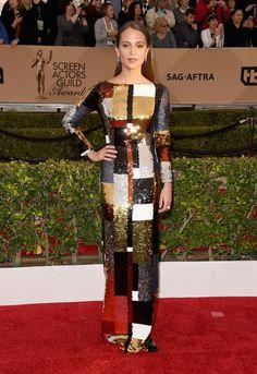 Alicia Vikander in Louis Vuitton bei den SAG Awards