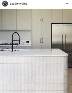 Tiles for pillar in oak island? - Tiles for pillar in oak island? You are in the right place about kitchen islands with cooktop Here - Interior Desing, Home Interior, Interior Design Living Room, Interior Architecture, Interior Decorating, Küchen Design, Home Design, Layout Design, Cocinas Kitchen