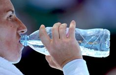 A recent study proved that bottled water by some brands contains tiny particles of plastic, known as microplastics, which although very small, can be absorbed by our organs.