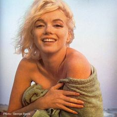 Marilyn on the beach in Santa Monica - 1962
