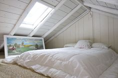 White wood floors bedroom loft ideas for 2019 Attic Bedrooms, Bedroom Loft, Dream Bedroom, White Wood Paneling, Old Wood Doors, Creative Kids Rooms, Wood Interior Design, Sleeping Loft, Dark Interiors