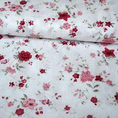 Jemné vínovorůžové kvítky na krémové Quilts, Blanket, Scrappy Quilts, Quilt Sets, Blankets, Log Cabin Quilts, Cover, Comforters, Quilting
