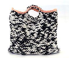 [대바늘] 쇼퍼백 만들기 강좌입니다. 천천히 따라해보세요~ :) 담아가셔도 되나 출처를 명확히 밝혀주세요.... Finger Knitting, Textiles, Knit Crochet, Crochet Bags, Bucket Bag, Floral Tops, Instagram Posts, Handmade, Women