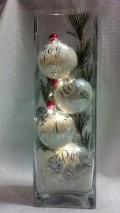 ornaments with lights inside/snow and light ornaments/tall vase with ornaments/Christmas vase. - ornaments with lights inside/snow and light ornaments/tall vase with ornaments/Christmas vase with - Christmas Vases, Christmas Table Decorations, Rustic Christmas, Christmas Fun, Christmas Wreaths, Christmas Lights Inside, Christmas Decorating Ideas, German Christmas, Primitive Christmas