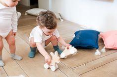 Enfants avec Jouets en bois - Petit Picotin