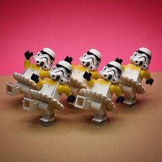 Lego Minifigs, Lego Duplo, Lego Star Wars, Legos, Lego Hacks, Lego Humor, Aniversario Star Wars, Lego Stormtrooper, Super Troopers