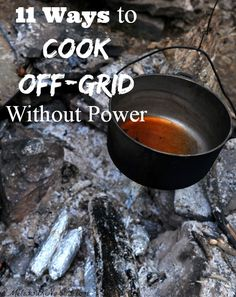With the blizzard of 2015 moving in, this is important to know before a disaster hits. 11 ways to cook off-grid without power. Learn which is best for you before the winter storms hit so you won't be caught without a way to cook for your family. Homestead Survival, Survival Food, Camping Survival, Survival Prepping, Emergency Preparedness, Survival Skills, Survival Equipment, Survival Supplies, Wilderness Survival