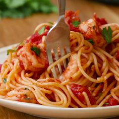 One-Pot Garlic Tomato Shrimp Pasta