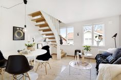 Sweet and cozy interior with black DSW chairs inspired by Eames and a design AJ lamp by Arne Jacobsen in the corner of the living room Estilo Interior, Interior Styling, Small Space Design, Small Spaces, White Heaven, T Home, Charles Eames, Dream Decor, Apartments