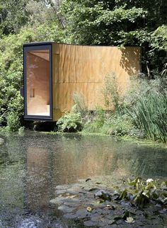 Forest Pond House, conceived as a meditation room and children's den, is a tiny cabin of in Hampshire designed by TDO Architecture. Green Architecture, Amazing Architecture, Architecture Details, Architecture Images, Tiny House, Tiny Cabins, Rustic Design, Interior And Exterior, House Design