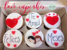 Cupcakes para todo tipo de celebración en Medellín y Envigado, realizados por Dulcepastel.com  #cupcakestematicosmedellin #lovecupcakes #felices #felicesmeses #anniversary #lovecupcake #amor #love #tortasmedellin #tortaspersonalizadas #tortastematicas #cupcakesmedellin