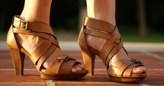 strappy, neutral sandals | amominredhighheels.com