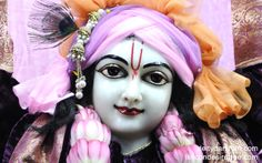 To view Gaurachandra Close Up Wallpaper of ISKCON Chicago in difference sizes visit - http://harekrishnawallpapers.com/sri-gaurachandra-close-up-wallpaper-018/