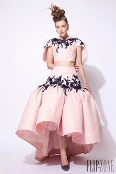 Azzi & Osta Fall-winter 2015-2016 - Couture - http://www.flip-zone.com/Azzi-Osta-5976