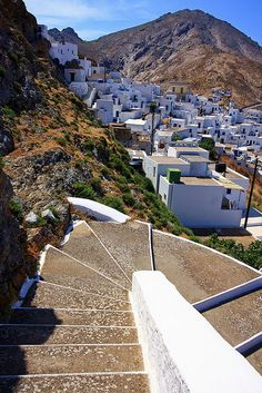 Chora, Serifos, Greece - a medieval castled settlement, built amphitheatrically on the rocky height of the bay of Livadi to protect it from the pirate invasions! Mykonos, Santorini Villas, Paros, Exotic Beaches, Greece Islands, Ultimate Travel, Travel Goals, Amazing Destinations, Places To Travel