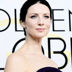 Caitriona Balfe attends the 74th Annual Golden Globe Awards at The Beverly Hilton Hotel on January 8, 2017 in Beverly Hills, California.