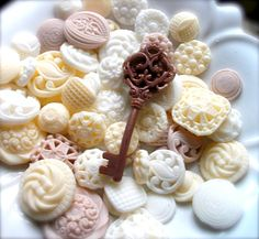 BUTTON SOAP, Gift Set, Buttons with Victorian Key or Cameo Soap, Scented in Sweet Pea, Vegetable Based, Handmade