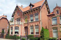Druten laat verschillende monumenten zien, waarbij de Kattenburg een beeldbepalende straat is door de monumentale huizen in art-decostijl. Op nummer 17 vindt u het oude postkantoor.