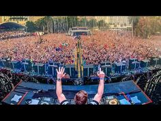 Dimitri Vegas & Like Mike - Bringing The World The Madness (FULL HD 2 HOUR LIVESET) - YouTube