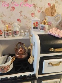 Ash Tree Cottage: Miniature Furniture and Accessories