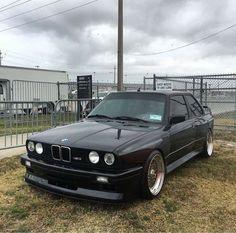 BMW E30 M3 black