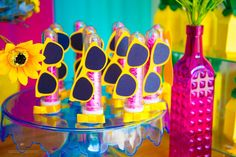 How about celebrating the birthday of the little ones with a pool party? - Kids Party: Enjoy the Hot Days to Organize a Fun Pool Party Aloha Party, Luau Party, Beach Party, Flamingo Party, Luau Pool Parties, Pool Party Kids, Hawaian Party, Barbie Birthday Party, Moana Party