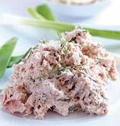 pochoutkova pomazanka Czech Recipes, Ethnic Recipes, Queso Fresco, Sandwiches, Food 52, Finger Foods, Ham, Potato Salad, Finger Food