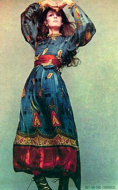 Vogue US November 1970 Anjelica Huston in Bill Blass Photo by Richard Avedon