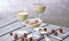 Haselnuss-Panna-cotta - Rezepte - Schweizer Milch Desserts Panna Cotta, Dessert Light, Dessert Original, Tolle Desserts, Pudding, Tableware, Ethnic Recipes, Sweet, Food