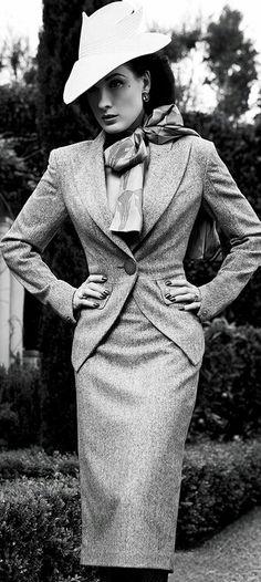 Ditta Von Teese in 40's retro style suit.