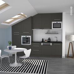 cuisine gris moderne et ouverte implantation en i place sous les combles mur bleu - Cuisine Blanc Mur Gris