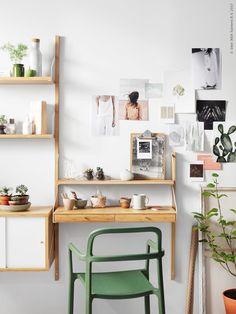 SVALNÄS väggmonterad förvaringskombination. Den fina gröna karmstolen YPPERLIG är ett resultat av samarbetet med danska designduon HAY, premiär i oktober 2017.