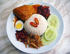 マレーシアごはんといえば「ナシレマッ」 豊かな食文化が育んだ珠玉のひと皿|マレーシアごはん偏愛主義!|CREA WEB(クレア ウェブ)