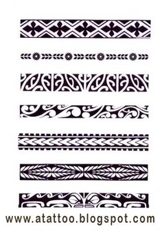 Padrões de bracelete maori. Hawaiian Tattoo, Marquesan Tattoos, Samoan Tattoo, Maori, Tattoo Designs, Arabic Calligraphy, Drawings, Tattoo Art, Arabic Handwriting