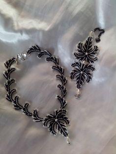 Марина Шамшура Seed Bead Necklace, Seed Bead Bracelets, Seed Bead Jewelry, Bead Jewellery, Beaded Jewelry, Beaded Necklace, Bead Embroidery Patterns, Beaded Bracelet Patterns, Jewelry Patterns