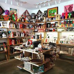 La Fiambrera. Art Gallery. #lafiambreraartgallery #lafiambrerabookshop #malasaña #callepez #madrid #arte #libros #diseño by lafiambrera